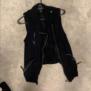 Black lucky brand vest